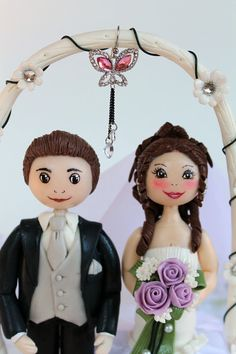 Custom wedding cake topper bride and groom by PerlillaPets on Etsy