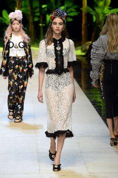 Dolce & Gabbana | Ready-to-Wear Spring 2017 | Look 74