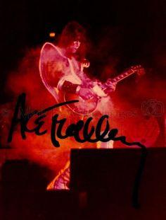 Ace-Frehley-KISS-Destroyer-1977-Signed-Large.jpg.cf.jpg (399×526)