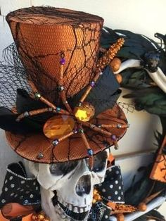 Halloween Skeleton Wreath Skeleton wreath by DesignsbySheilaB More by Libby Engel Theme Halloween, Halloween Skeletons, Halloween Skull, Halloween Projects, Holidays Halloween, Spooky Halloween, Vintage Halloween, Vintage Witch, Halloween Makeup