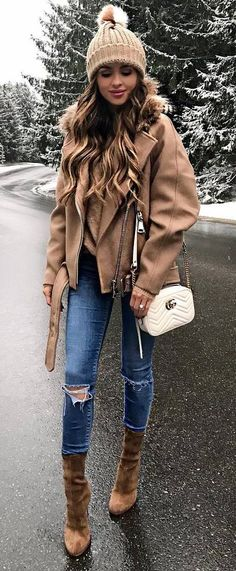 cozy winter outfit nude moto jacket + white bag + sweater + skinny jeans +  boots Cuki 04e2118fab