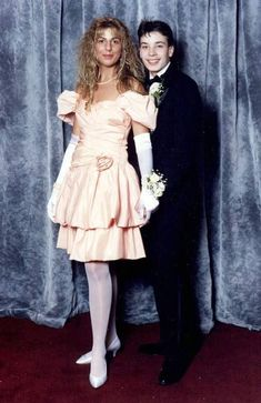 prom 40 Celebrity Prom Picture From Before They Were Famous 27 Celebrity Prom Photos, Celebrity Outfits, Celebrity News, Prom Outfits, Prom Dresses, 90s Prom, Prom Goals, Prom Couples, Prom Proposal