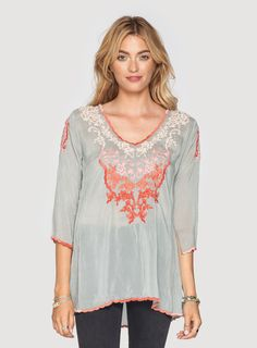 The Johnny Was Baudelio Blouse is a great way to add elegance to any outfit. Look your best in the Baudelio Blouse! Johnny Was Clothing, Kurti, Tunic Tops, Indian, Clothing Ideas, Blouse, My Style, Cloths, How To Make