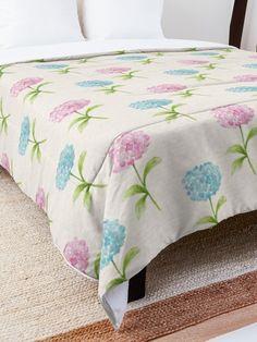 'Flower Design' Comforter by Shane Simpson College Dorm Rooms, College Dorm Bedding, Make Your Bed, Square Quilt, Twin Xl, Flower Designs, Quilt Patterns, Comforters, Blanket
