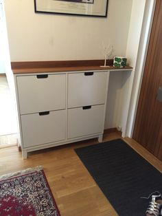 22 revamp your IKEA Stall cabinet with a simple rich-colored wooden countertop to give it a chic look - Shelterness Garage Shoe Storage, Shoe Storage Hacks, Bench With Shoe Storage, Diy Storage, Locker Storage, Ikea Shoe Cabinet, Hamper Cabinet, Small Space Interior Design, Interior Design Living Room