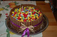 Birthday cake, DIY Birthday Cake, Desserts, Diy, Food, Birthday Cakes, Meal, Bricolage, Deserts, Essen