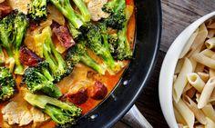 Chicken pasta with chorizo Chorizo, Norwegian Food, Cooking Recipes, Healthy Recipes, Yummy Recipes, Healthy Food, Chicken Pasta, Food For Thought, Pasta Dishes