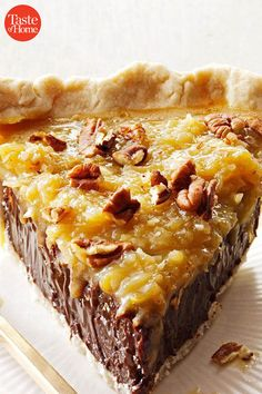 Pie recipes 25473554130392761 - 50 Incredible Vintage Pies Worth Trying Today Source by taste_of_home Fall Desserts, Just Desserts, Delicious Desserts, Yummy Food, Pie Dessert, Dessert Recipes, Best Pie, Pie Cake, Food Cakes