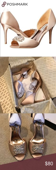 """Badgley Mischka Seneca D'orsay pump - 8.5 Wonderful condition. Pristine except for bottoms. Even soles were only worn inside to a Las Vegas resort wedding. These never stepped outdoors. Comes with box, original packaging, dust bag, extra jewels. Color is champagne color called """"latte"""" Badgley Mischka Shoes Heels"""