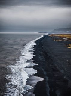 5 Best of Unbelievable Black Sand Beaches in Iceland. These are amazing, and biggest tourist's attractions of Iceland. I can't wait to visit every Black Sand beach on this list! Beach vacations are always a fun idea. Places To Travel, Places To See, Nature Photography, Travel Photography, Outdoor Photography, Landscape Photography, Aerial Photography, Night Photography, Landscape Photos