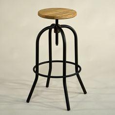 Studio-Barhocker Eisen und Holz, Industrial Style, Vintage Design - Bar stool studio, iron and wooden sat industrial style vintage Metal Bar Stool wooden seat #Design, #HomeDecor, #InteriorDesign, #Style, #Industrialstyle, #BarStool, #BarHocker
