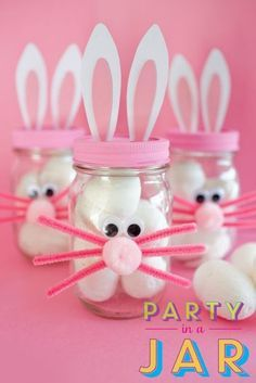 Over 33 Easter Craft Ideas for Kids to Make - These ideas are perfect for school, spring or Easter parties, preschool, Sunday School, o. Baby Food Jar Crafts, Baby Food Jars, Crafts For Kids To Make, Easter Crafts For Kids, Kids Diy, Food Crafts, Decor Crafts, Pot Mason Diy, Mason Jar Crafts