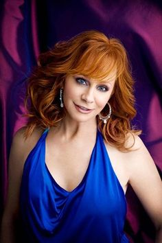 Reba- my first country concert I went to when I was little still love her! Country Female Singers, Country Western Singers, Country Music Artists, Best Country Music, Country Music Stars, Country Women, Country Girls, Reba Mcentire, Gorgeous Redhead