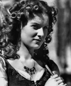 Maureen O'Hara in The Hunchback of Notre Dame Image Source: Tout Le Cine Golden Age Of Hollywood, Hollywood Stars, Classic Hollywood, Old Hollywood, Hollywood Divas, Frankenstein, The Quiet Man, Miracle On 34th Street, Ghost In The Machine