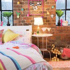 Talk about bedroom goals!!