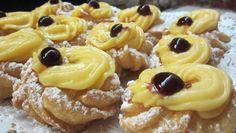 Italian Pastries recipes best zeppole di San Giuseppe recipe how to make them Gourmet Desserts, Italian Desserts, Just Desserts, Italian Recipes, Dessert Recipes, Food Trucks, Pastry Recipes, Cooking Recipes, My Favorite Food