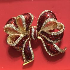 Macy's Christmas Holiday Lane Pin brooch BOW RIBBON red gold tone New in Box #Macys