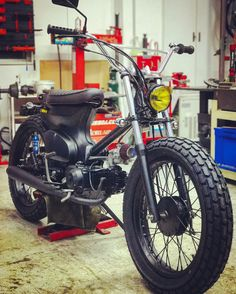 Cafe racers, scramblers, trackers and custom motorcycles Honda Scooters, Honda Motorcycles, Custom Motorcycles, Custom Bikes, Motorcycle Icon, Bobber Motorcycle, Honda 90, Honda Cycles, Motorised Bike