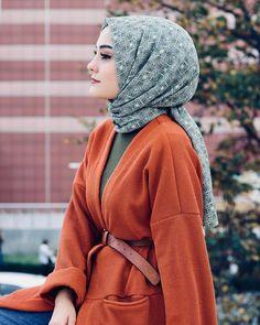 💎 Miss Bushra Kakar💎 Arab Girls Hijab, Girl Hijab, Muslim Girls, Hijabi Girl, Muslim Women Fashion, Arab Fashion, Hijab Outfit, Hijab Mode Inspiration, Hijab Stile