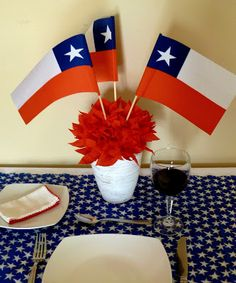 Mujer Presente -el blog de la mujer chilena: VIDEO: Decora tu asado con este bello adorno dieciochero National Holidays, Spring Time, Paper Cutting, Merry, Gift Wrapping, Table Decorations, Tiki Tiki, Blog, Home Decor