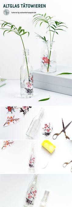 DIY Deko Idee: Vasen aus Altglas mit Tattoos dekorieren | Die Anleitung für diese simple Upcycling Idee findet ihr auf schereleimpapier.de | Vase Glas dekorieren | Vasen basteln | Temporäre Tattoos | Frühlingsdeko basteln | Deko selber machen | #diy #diyhomedecor #upcycling