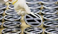 Volkswagen AG готовит три новинки к 2016 году. В 2016 году сразу три модели концерна Volkswagen AG совершат свой дебют. Одна модель будет выпускаться под бредном Porsche, а еще две под брендом VW. Наиболее ожидаемым дебютантом окажется новый Tiguan. При создании новинки будет использова�