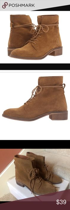 """New Steve Madden Rosaly boots women size 6 Brand new in box Women size 6 Fast shipping. 📌📌price firm📌📌  Leather upper. Lace-up closure. Stitch detail. Round-toe. Soft fabric lining and footbed. Man-made outsole. Stacked heel. Imported. Heels: 1.25"""" Steve Madden Shoes Ankle Boots & Booties"""