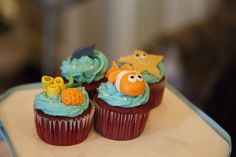 Under the sea cupcakes at a Baby Shower Baby Shower Tags, Shower Party, Baby Shower Parties, Baby Shower Themes, Baby Boy Shower, Baby Shower Gifts, Shower Ideas, Ocean Theme Cupcakes, Sea Cupcakes