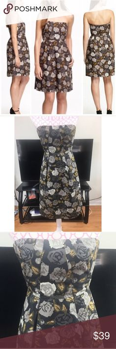 J.Crew Dress Size 0 J Crew floral print empire waist dress. Strapless. Built in BRA with zipper. Lined. Back zipper. Size 0. Chest measures approximately 30 inches. Waist approximately 26 inches. Length approximately 32 inches. 100% cotton. Lining 100% polyester J. Crew Dresses