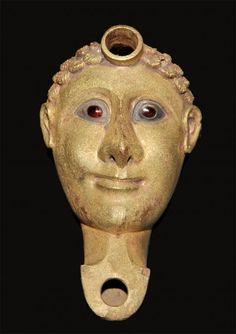 Le musée nubien d'Assouan (Égypte) Lampe en forme de tête d'homme. 2ème moitié du 4ème siècle après J.-C.