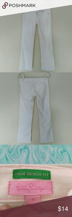 "Lilly Pulitzer Palm Beach Fit Jeans Used Good Condition. Size 2. Missing button. Cream/white color. Cute, more ankle length on me (5'6""). Lilly Pulitzer Jeans Straight Leg"