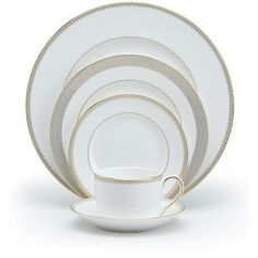 Vera Wang 5-Piece Bone China Dinnerware Place Setting (€120) ❤ liked on Polyvore featuring home, kitchen & dining, dinnerware, white, bone china, white bone china, vera wang dinnerware, white dinnerware and vera wang