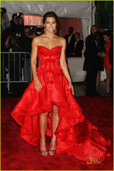 gorgeous dress, hair & make-up - Jessica Biel - 2009 MET Costume Gala