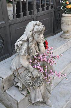 "Viareggio (Lucca) - Monumental Cemetery ""The little girl waiting for her mother"" By Ferdinando Marchetti"