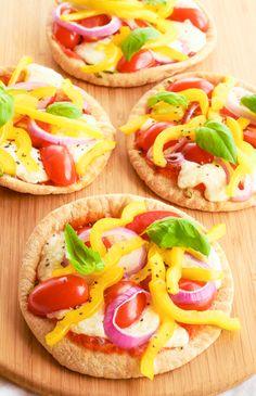 Mini Flatbread Pizzas-Under 150 Calories! - Hello HealthyHello Healthy