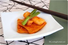 Korean rice cake in spicy red sauce [ddeok-boggi]