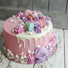 😍 Girly Birthday Cakes, Candy Birthday Cakes, Elegant Birthday Cakes, Beautiful Birthday Cakes, Beautiful Cake Designs, Beautiful Cakes, Amazing Cakes, Macaroon Cake, Crazy Cakes