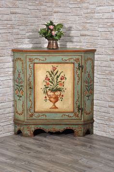 Handpainted Luxury Tyrolean Corner Unit, Decorated with Baroque Patterns – Handp… – Mobilier de Salon Decoupage Furniture, Hand Painted Furniture, Paint Furniture, Home Decor Furniture, Furniture Projects, Furniture Makeover, Furniture Design, Muebles Shabby Chic, Furniture Painting Techniques