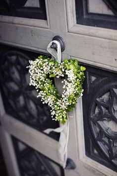 Blumenherz an der Tür