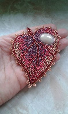 Tambour Beading, Loom Beading, Bead Embroidery Jewelry, Beaded Embroidery, Bead Crafts, Jewelry Crafts, Sequin Crafts, Beaded Jewelry Designs, Seed Bead Patterns