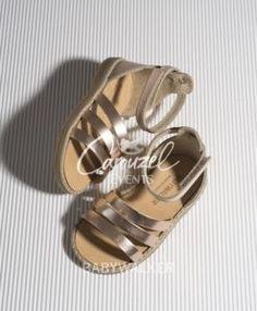 babywalker-papoutsi-vaptisis-perpathmatos-koritsi-gr0019-carouzelevents