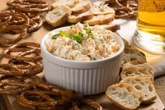 Put the perfect pairing of beer and cheddar in dip form, and you& well on your way to a party. Just add crackers and cut-up fresh veggies for dipping. Appetizer Dips, Appetizer Recipes, Cheddar, Cold Dip Recipes, Yummy Recipes, Brie, Cooking With Beer, What's Cooking, Vegetable Dips