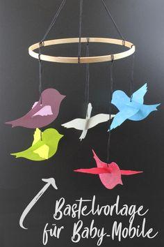 baby-mobile-mit-vogelchen-bastelvorlage-plotterfreebie-kugelig-com/ - The world's most private search engine Diy And Crafts, Crafts For Kids, Paper Crafts, Mobiles For Kids, Mobiles Baby, Paper Mobile, Paper Birds, Feather Crafts, Little Birds