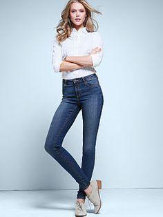 VS High-rise Skinny Jean & Fitted Poplin Shirt