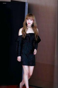 181128 '2018 Asia Artist Awards' Red carpet #izone #yena