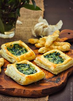 Starbucks copycat recipe for puff pastry with spinach and scallions in alfredo sauce @SECooking | Sandra
