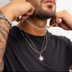 From smart sterling silver jewellery to streetwear styles our global experience places designb at the pinnacle of men's jewellery. Mens Silver Chain Necklace, Silver Chain For Men, Mens Silver Jewelry, Chains For Men, Silver Man, Men Necklace, Layered Necklace Set, Layered Necklaces Silver, Men Accesories