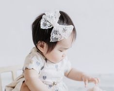 Etsy :: Your place to buy and sell all things handmade Fabric Flower Headbands, Baby Headbands, Custom Bows, Baby Turban, Felt Bows, Lace Bows, Diy Headband, Big Bows, Bubblegum Pink