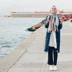 25 Stylish And Fashionable Hijab Fashion For Teens Inspiration Your Fashion And Style Islamic Fashion, Muslim Fashion, Modest Fashion, Teen Fashion, Fashion Outfits, Fashion Edgy, Fashion Fall, Hijab Casual, Hijab Chic