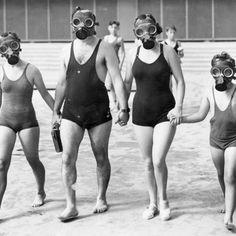 Nada iba a mantenerlos lejos de la piscina.
